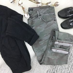 Sanctuary faded camo print cropped skinny jeans 28